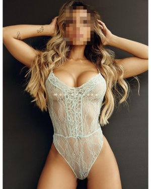 Madigane massage femme libertine escorte girl