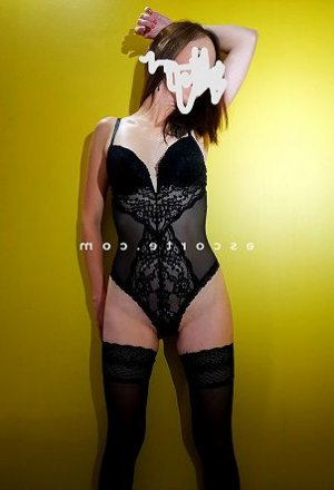 Laure-lyne plan cul escort girl à Combs-la-Ville